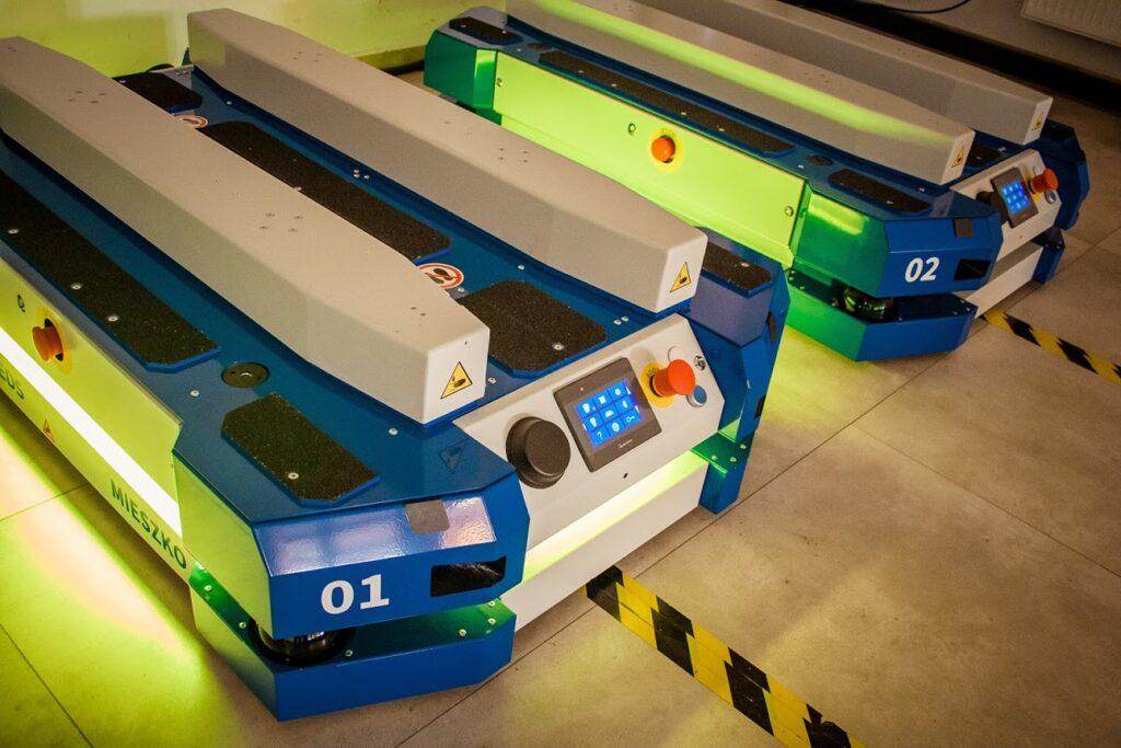 mobile robots, AGV, fleet, AMR, intralogistics, robots, industry40, logistic solutions